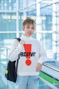 Student Yingzhi in the Gateway Center